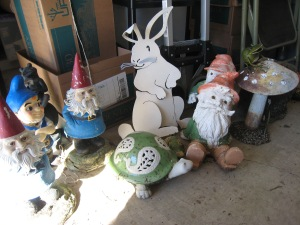Gnomes, rabbits and frogs sequestered at an undisclosed location. Gnomeo seems too happy Juliet is gone. What's up with that?