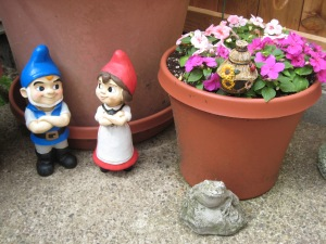 Gnomeo is pretty darn happy Juliet managed to get herself together and return to the yard. He's such a flirt!